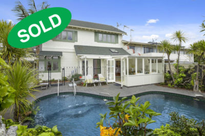 27 LONG DRIVE, ST HELIERS, AUCKLAND - sold by Kelly Midwood