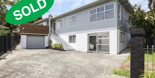 17 NAVARRE ROAD, GLENDOWIE, AUCKLAND - sold by Kelly Midwood