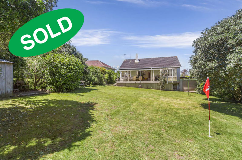 80 KESTEVEN AVENUE, GLENDOWIE, AUCKLAND - sold by Kelly Midwood
