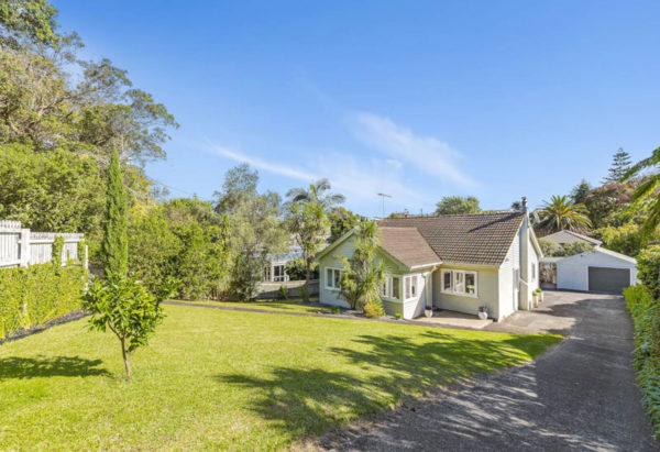 220 RIDDELL ROAD, GLENDOWIE, AUCKLAND - marketed by Kelly Midwood