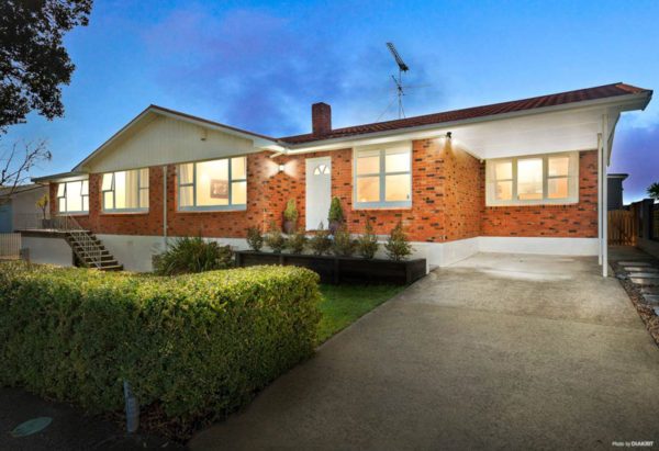 2/315 RIDDELL ROAD, GLENDOWIE, AUCKLAND - marketed by Kelly Midwood