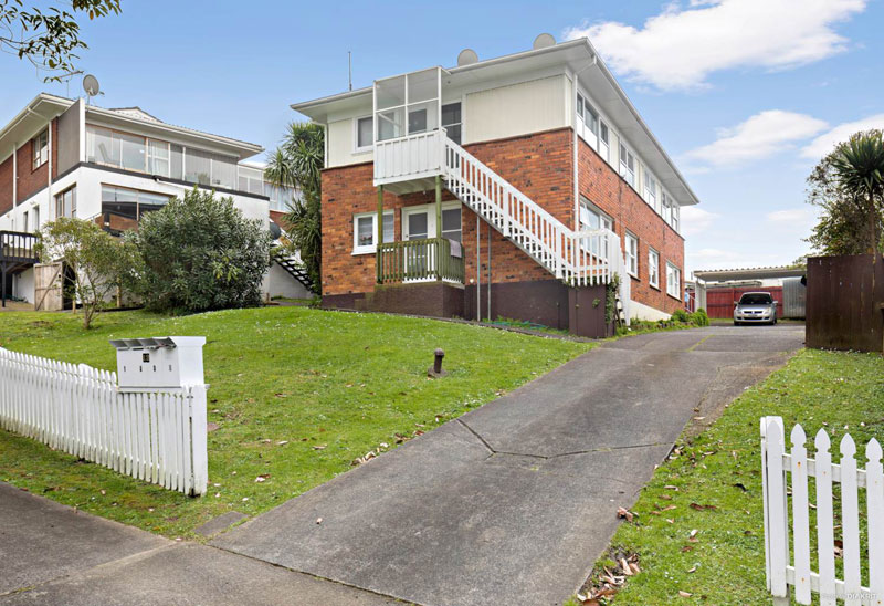 12 STRONG STREET, ST JOHNS, AUCKLAND - marketed by Kelly Midwood