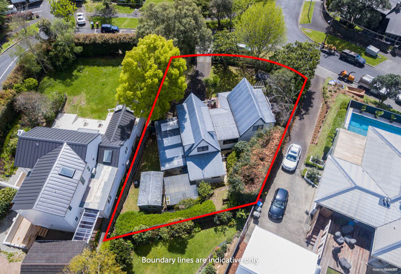 17 BONGARD ROAD, MISSION BAY, AUCKLAND - marketed by Kelly Midwood