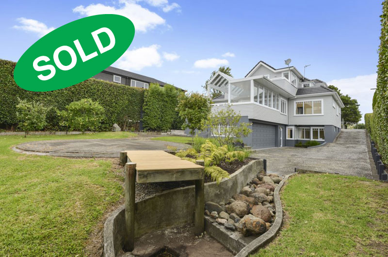 251 ST HELIERS BAY ROAD, ST HELIERS, AUCKLAND---sold-by-Kelly-Midwood