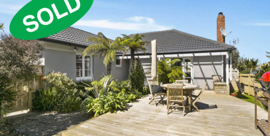 185-ST-JOHNS-ROAD,-ST-JOHNS,-AUCKLAND---sold-by-Kelly-Midwood