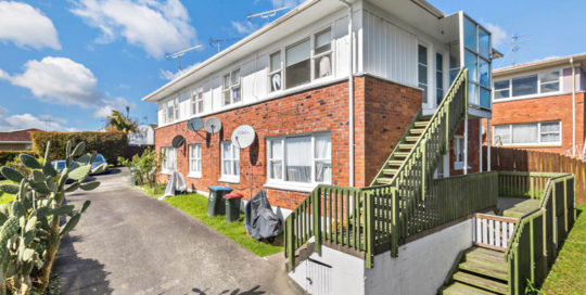 32 SIMKIN AVENUE, ST JOHNS, AUCKLAND - marketed by Kelly Midwood